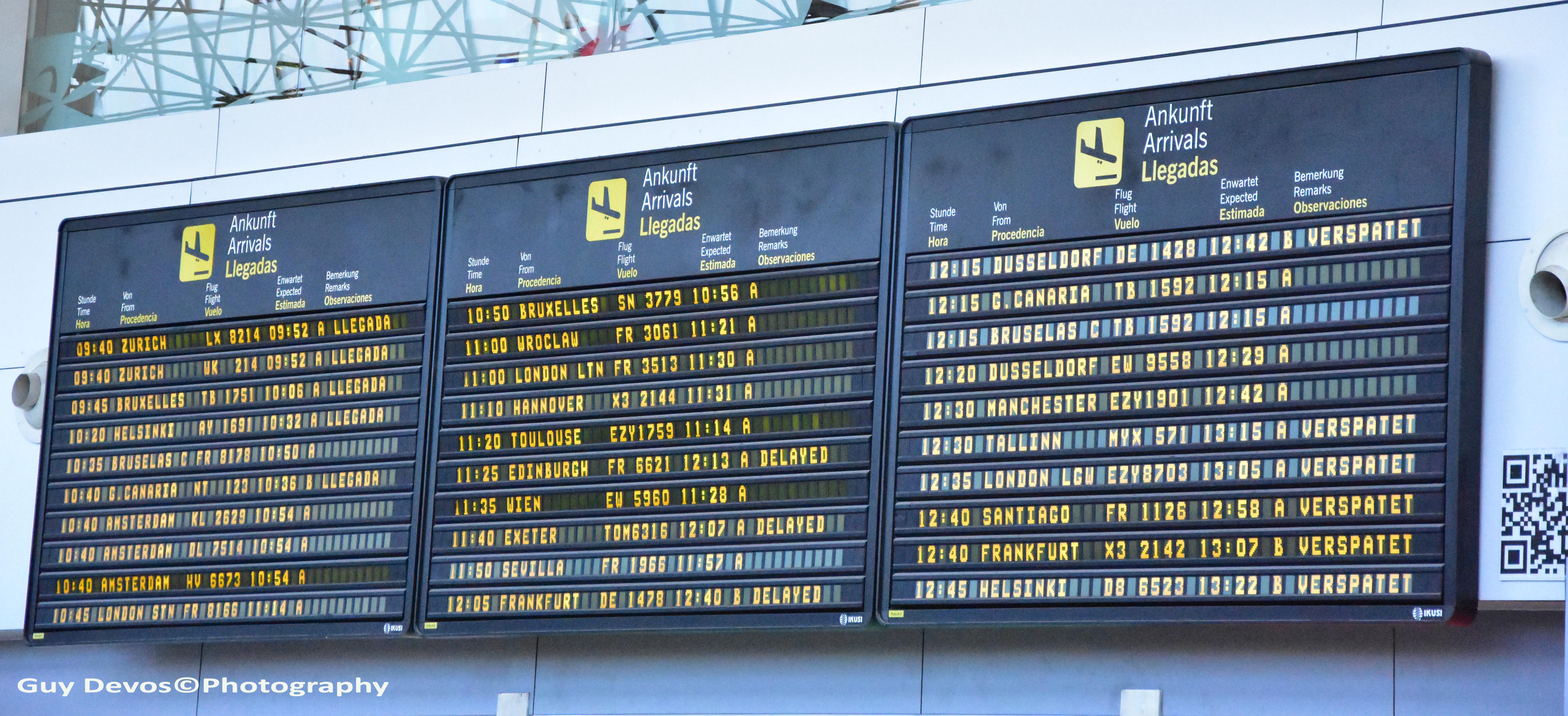 Tenerife-Connect vlucht-vertraagd vlucht uitgesteld